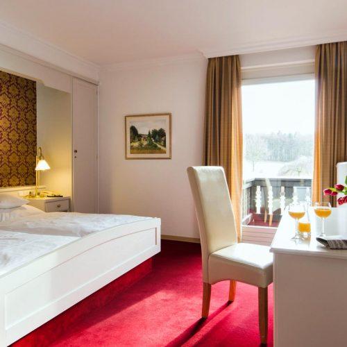 berggasthof-wilhelmshoehe-impressionen-hotelzimmer-mit-balkon